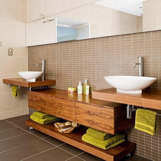 Drewniane i minimalistyczne meble to must have ekologicznych łazienek (źródło: pinterest)