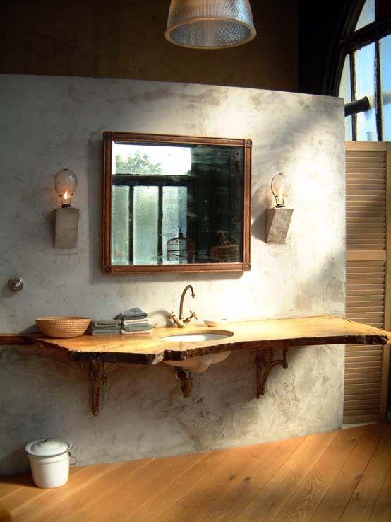 Szafka pod umywalkę wykonana z naturalnego kawałka drewna wygląda bardzo imponująco (źródło: pinterest)