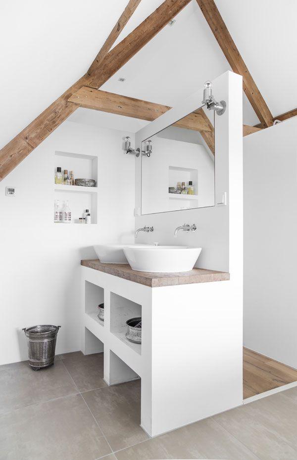 drewno w łazience (źródło: pinterest)