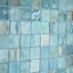 szklana mozaika w łazience